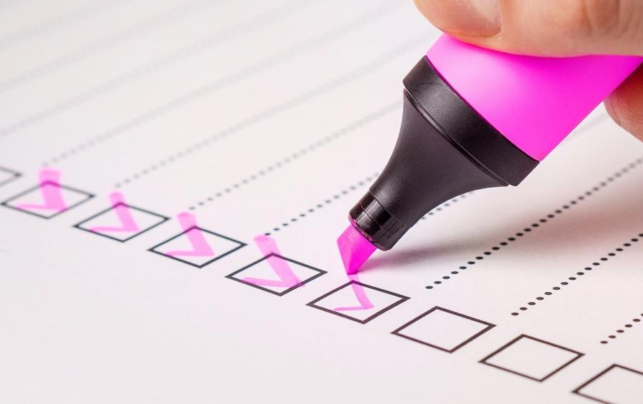 pink marker doing checkbox