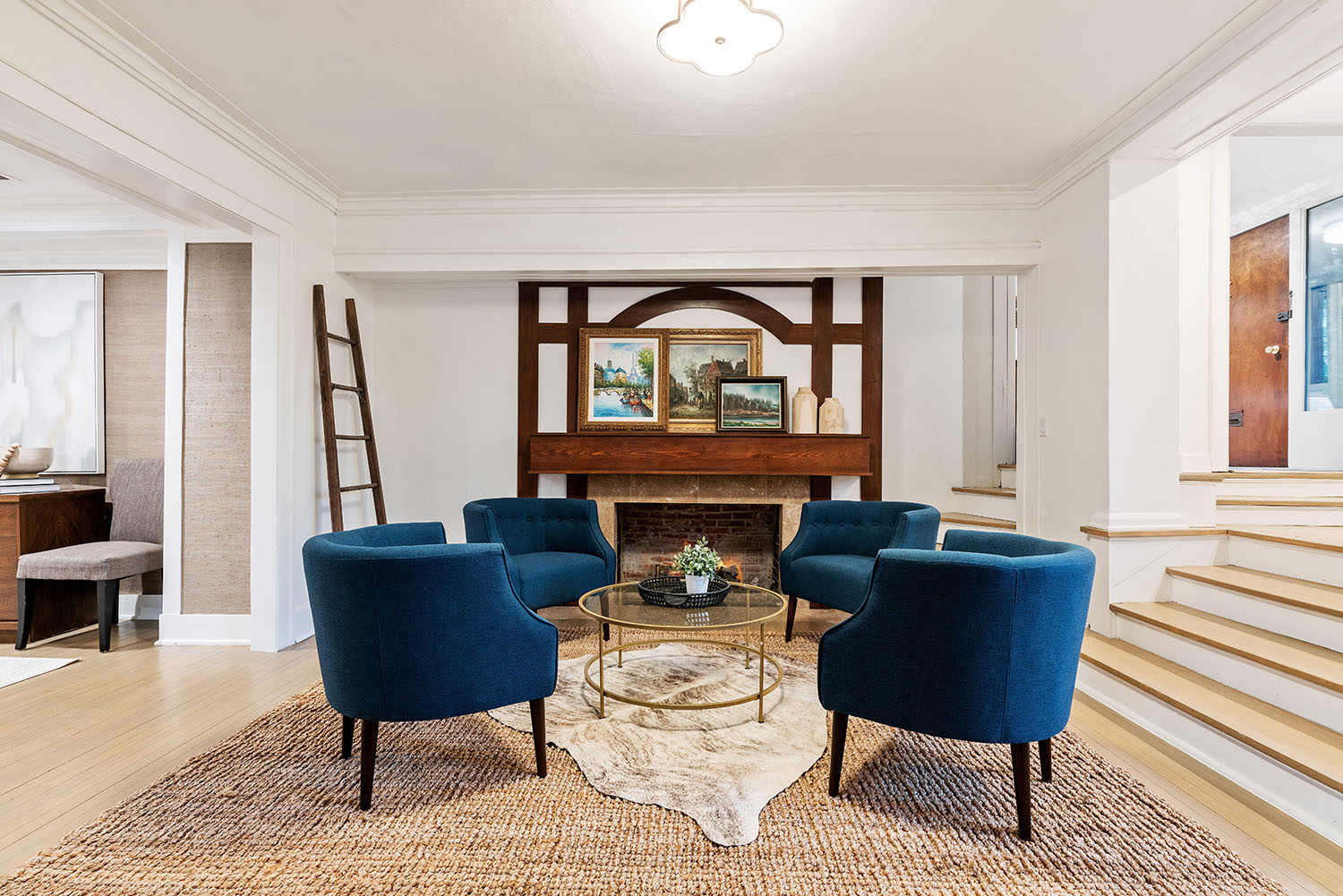 Living room of a Chicago house with decor and furniture