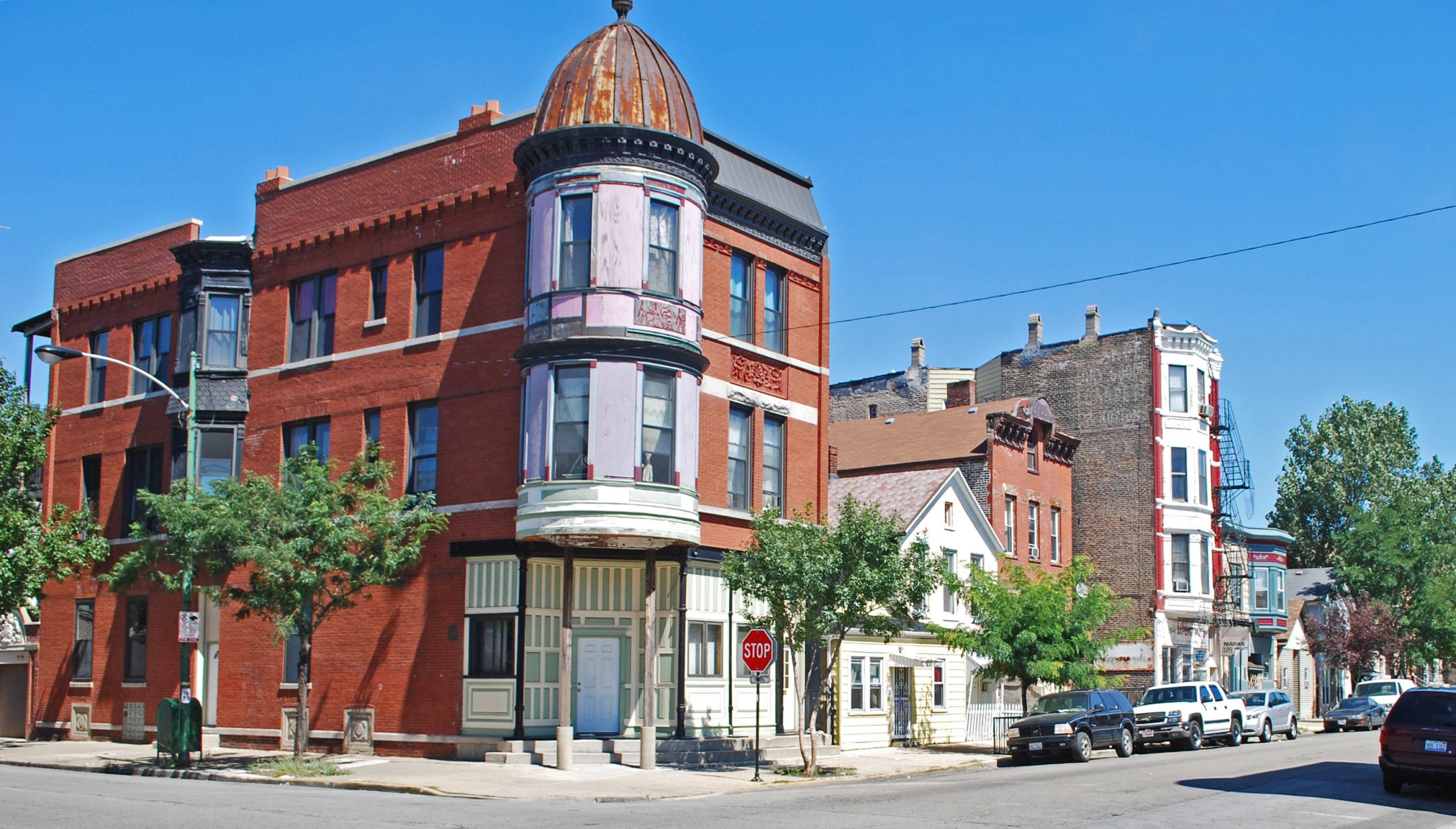 Corner building in Pilsen's historic district