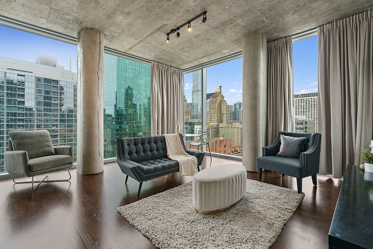 Downtown Chicago high rise living room
